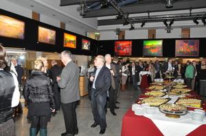 ausstellung-businessevent-eventagentur-eventmanagement-veranstaltung-planen-ausstellung-technik-lichttechnik-kunstausstellung-perfect-sound