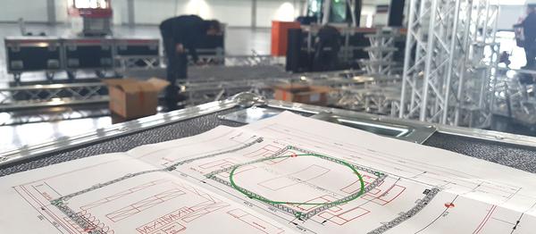 Messe, Messebau, Messetechnik, perfect sound GmbH Rheine, Veranstaltungstechnik, Motoren für Messe mieten, Movecat Motoren verleih